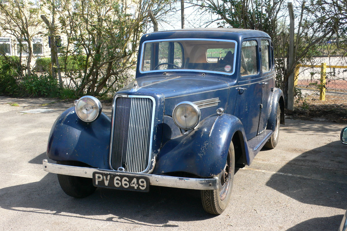 1940 Armstrong-Siddeley 16hp Six-Light Saloon For Sale by Auction (picture 1 of 6)
