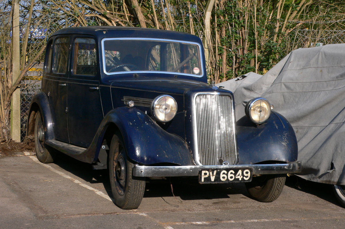 1940 Armstrong-Siddeley 16hp Six-Light Saloon For Sale by Auction (picture 2 of 6)