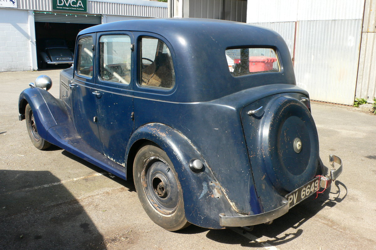 1940 Armstrong-Siddeley 16hp Six-Light Saloon For Sale by Auction (picture 3 of 6)