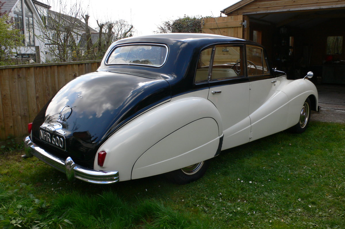 1955 Armstrong-Siddeley Sapphire 346 Automatic For Sale by Auction (picture 4 of 12)