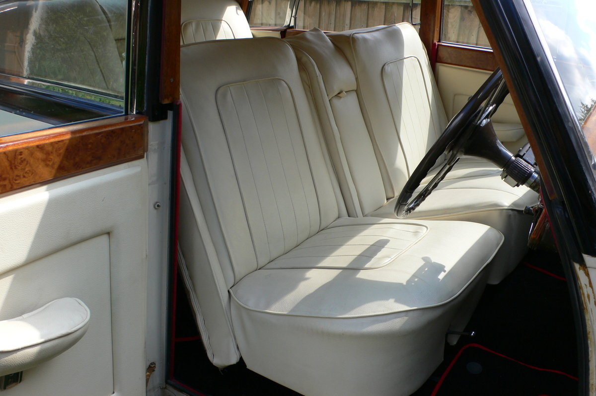 1955 Armstrong-Siddeley Sapphire 346 Automatic For Sale by Auction (picture 6 of 12)