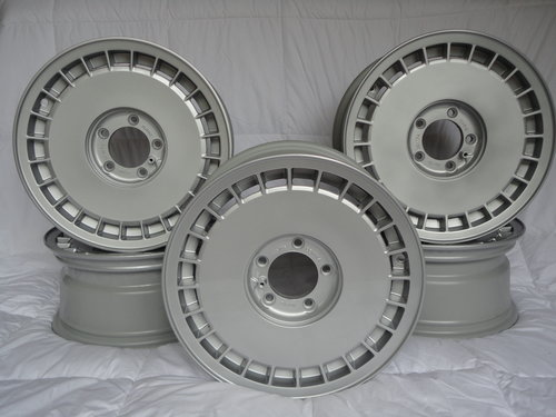 Aston Martin Lagonda wheels brand new/old stock x5 SOLD (picture 3 of 4)