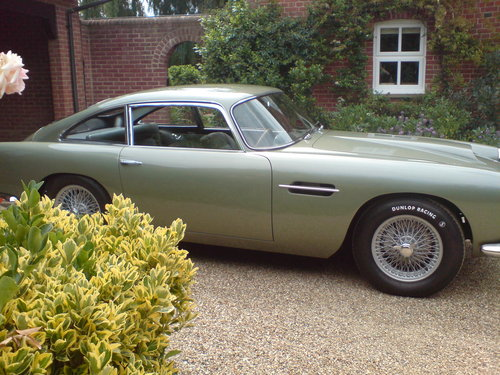 1960 Aston Martin DB4 Series 11 (Vantage Specification) For Sale (picture 1 of 6)