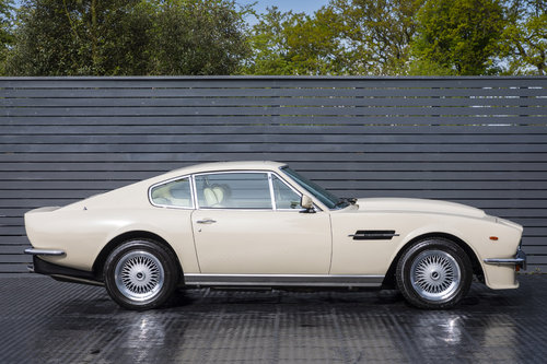1984 Aston Martin V8 Vantage LHD ONLY 8600 MILES MANUAL (ZF) For Sale (picture 3 of 6)