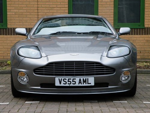 2005 Vanquish S. 28,000 Miles. Full Aston Martin Service History For Sale (picture 4 of 6)