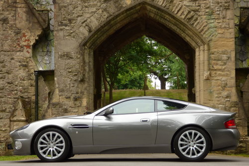 2003 Aston Martin Vanquish 6.0 V12 2+2 (Just 17373 miles) For Sale (picture 4 of 6)