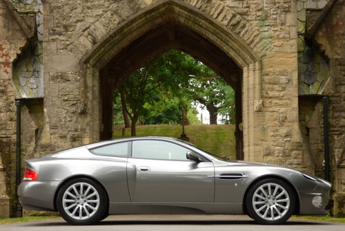 2003 Aston Martin Vanquish 6.0 V12 2+2 (Just 17373 miles) For Sale (picture 5 of 6)