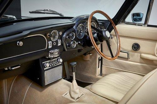 1970 Aston Martin DB6 MK2 Volante For Sale (picture 5 of 6)