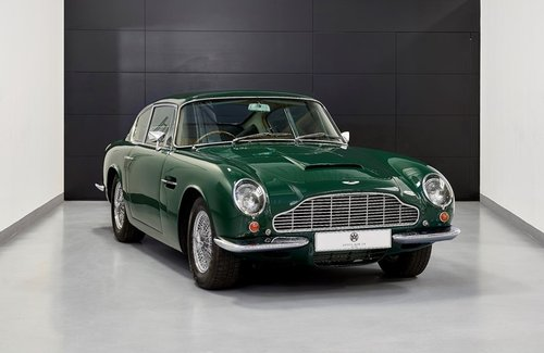1970 Aston Martin DB6 MK2 Vantage Saloon For Sale (picture 1 of 6)