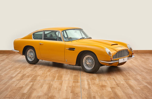 1969 Aston Martin DB6 Vantage Saloon For Sale (picture 1 of 6)