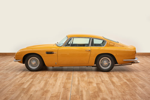 1969 Aston Martin DB6 Vantage Saloon For Sale (picture 3 of 6)
