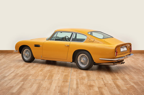 1969 Aston Martin DB6 Vantage Saloon For Sale (picture 4 of 6)