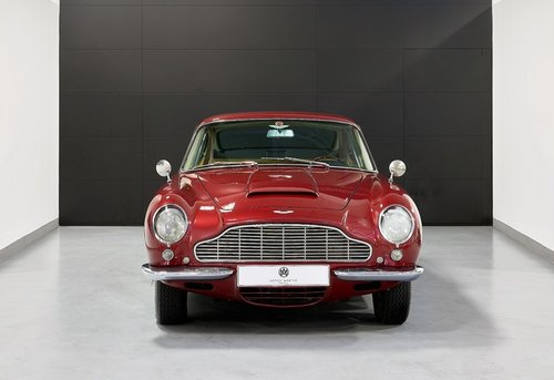 1968 Aston Martin DB6 Saloon For Sale (picture 2 of 6)