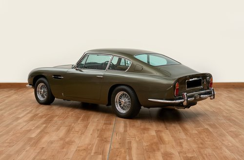 1968 Aston Martin DB6 Vantage Saloon For Sale (picture 4 of 6)