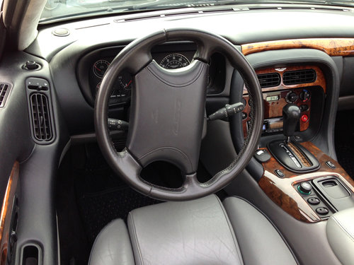 1998 Pristine Modern Aston DB7 For Sale (picture 4 of 6)