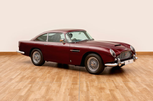 1964 Aston Martin DB5 Saloon For Sale (picture 1 of 6)