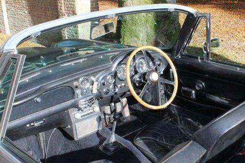 Aston Martin DB6 Vantage Volante RHD - 1969 For Sale (picture 4 of 6)