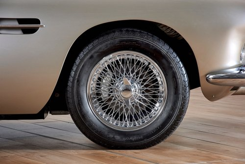 Aston Martin DB4 Series IV Convertible For Sale (picture 4 of 6)