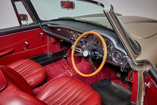 Aston Martin DB4 Series IV Convertible For Sale (picture 6 of 6)