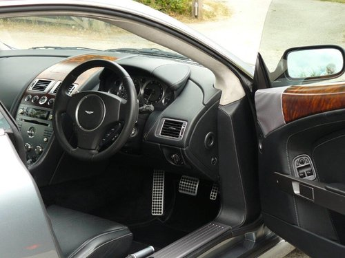2005 Aston Martin DB9  For Sale (picture 4 of 5)