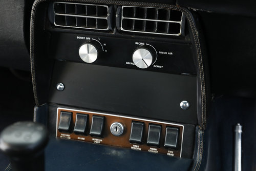 1971 Aston Martin DBSV8 Series 1 5,4 L 5 speed manuel gearbox. For Sale (picture 4 of 6)