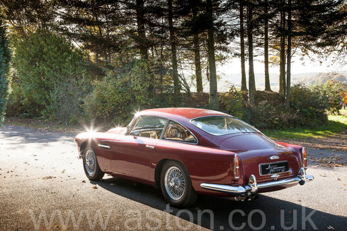 1960 Aston Martin DB4 Series II SOLD (picture 3 of 6)