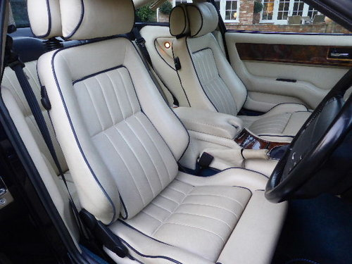 1997 Aston Martin V8 Coupe For Sale (picture 5 of 6)