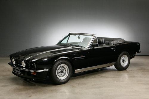 1986 Aston Martin V8 Volante Convertible For Sale (picture 1 of 6)