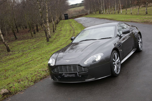 2009 Aston Martin V12 Vantage SOLD (picture 1 of 6)