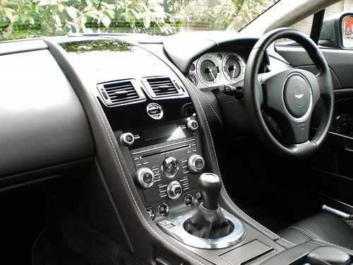 2013 Aston Martin Vantage 4.7 V8 Manual in Factory Showroom Cond. For Sale (picture 3 of 6)