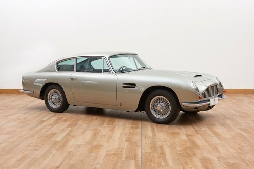 1969 Aston Martin DB6 Saloon For Sale (picture 1 of 6)