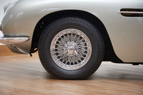 1969 Aston Martin DB6 Saloon For Sale (picture 4 of 6)