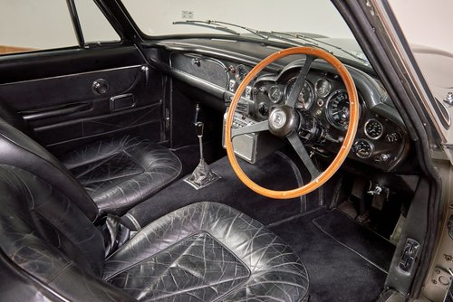 1969 Aston Martin DB6 Saloon For Sale (picture 5 of 6)