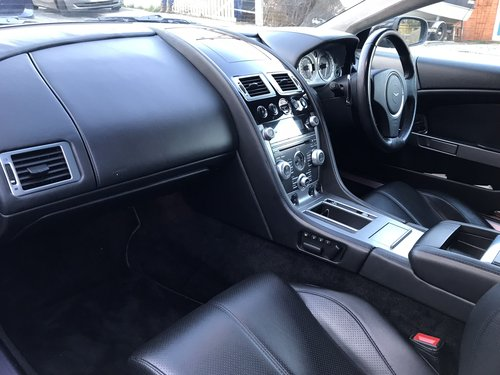 2009 Stunning Aston Martin DB9 Volante with 31k & full history  For Sale (picture 3 of 6)