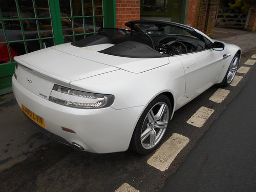 2009 Aston Martin Vantage Roadster Sportshift  SOLD (picture 3 of 6)