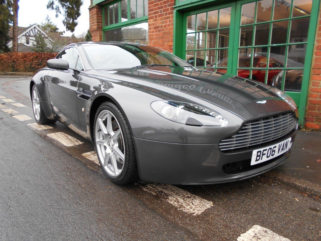 2006 Aston Martin V8 Vantage Coupe  SOLD (picture 2 of 4)