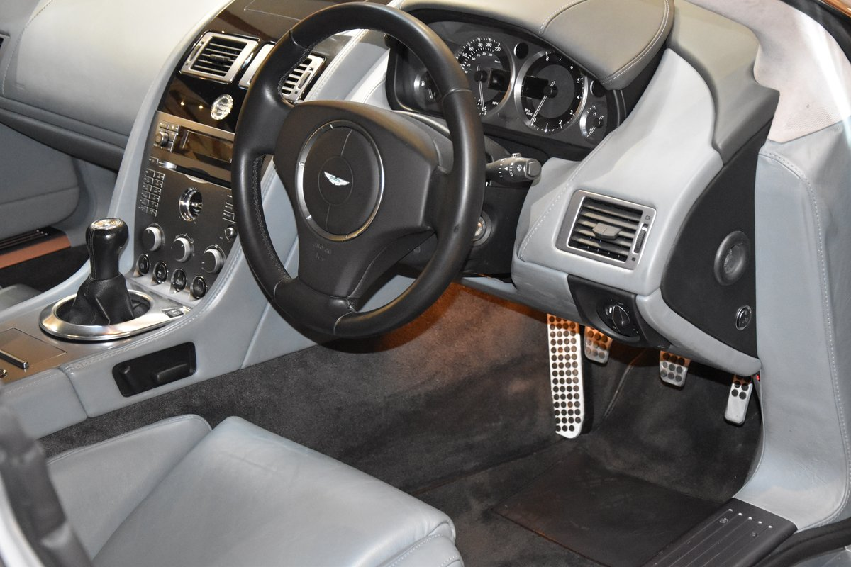 ASTON MARTIN DB9 MANUAL 2005 For Sale (picture 4 of 6)