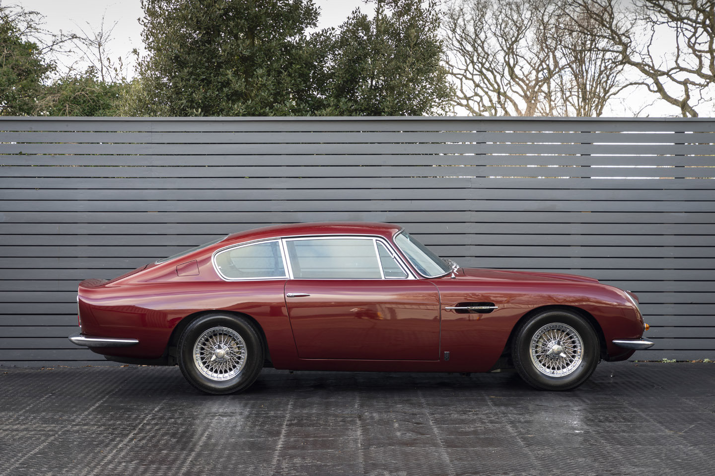 1967 Aston Martin DB6 Mk1 VANTAGE SOLD (picture 3 of 6)