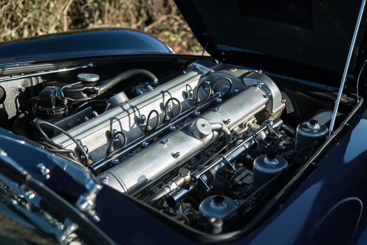 1968 Aston Martin DB6 Volante  For Sale (picture 6 of 6)