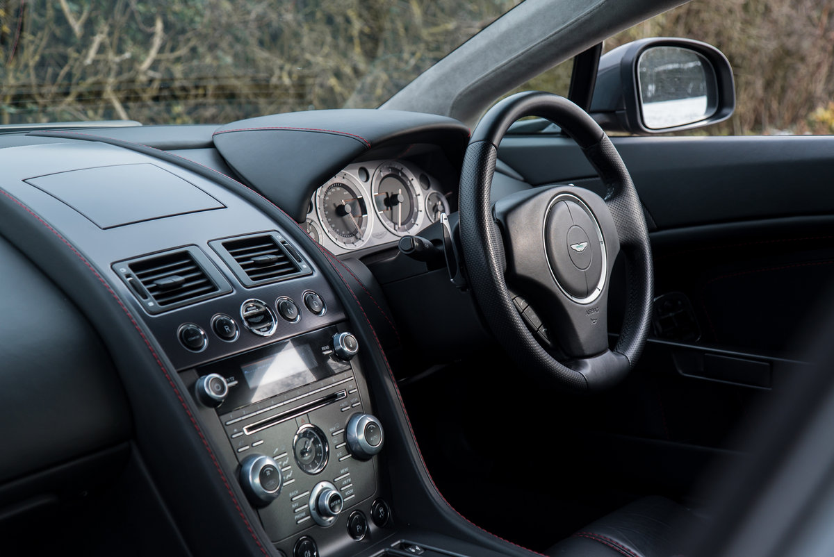 2011 Aston Martin Vantage 4.7 Sportshift Coupe For Sale (picture 4 of 6)