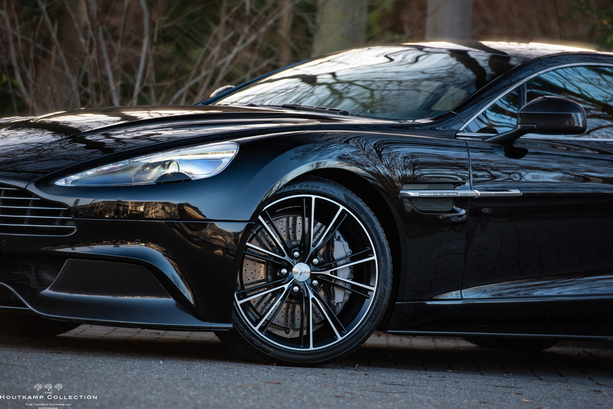 2013 VANQUISH COUPÉ, 18000km since new For Sale (picture 2 of 6)