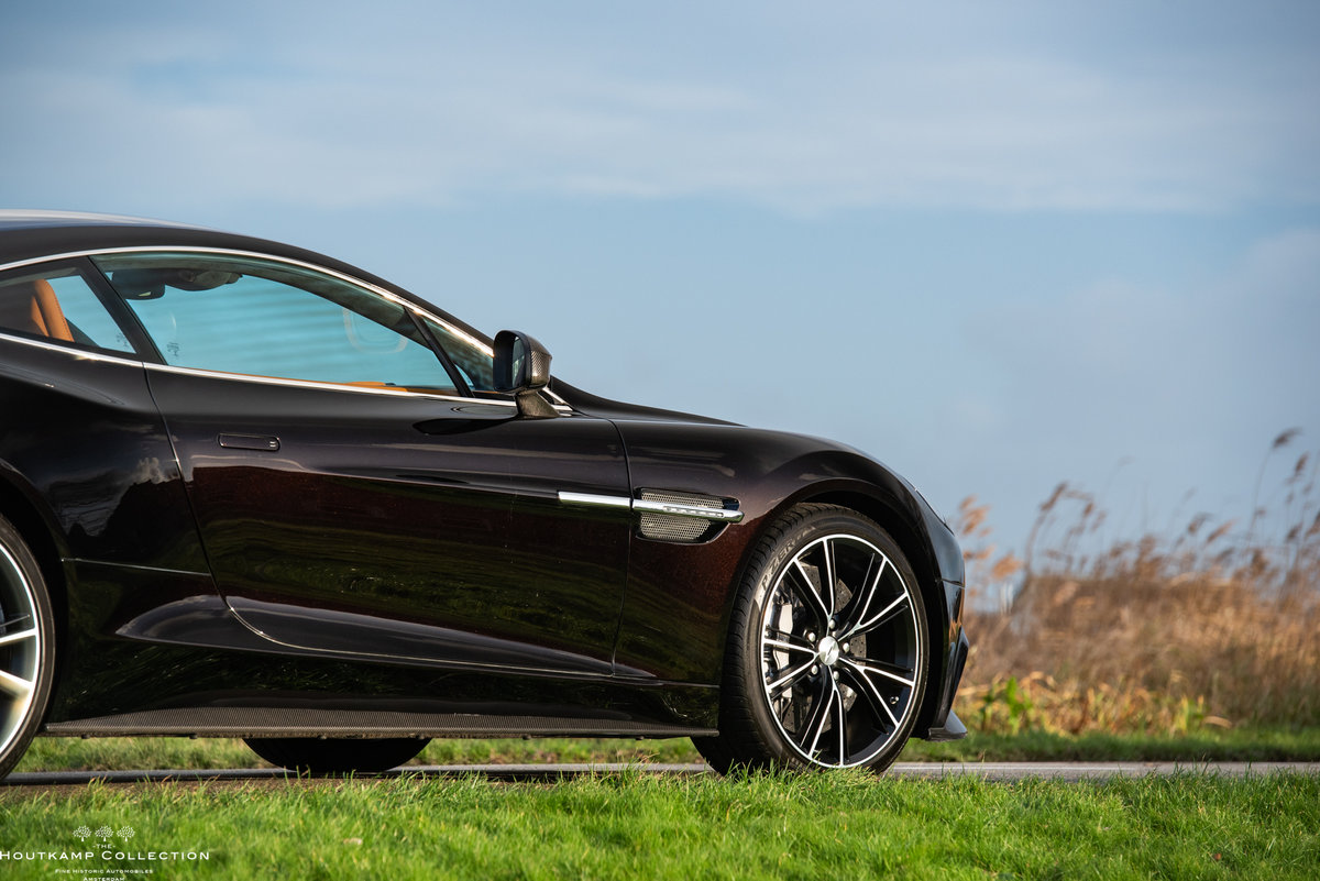 2013 VANQUISH COUPÉ, 18000km since new For Sale (picture 5 of 6)