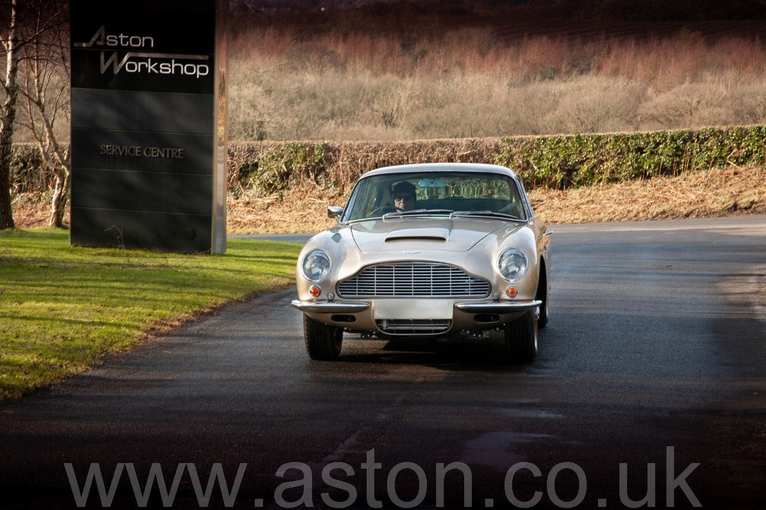 1967 Striking Autumn Gold Iconic DB6 MKI For Sale (picture 2 of 6)