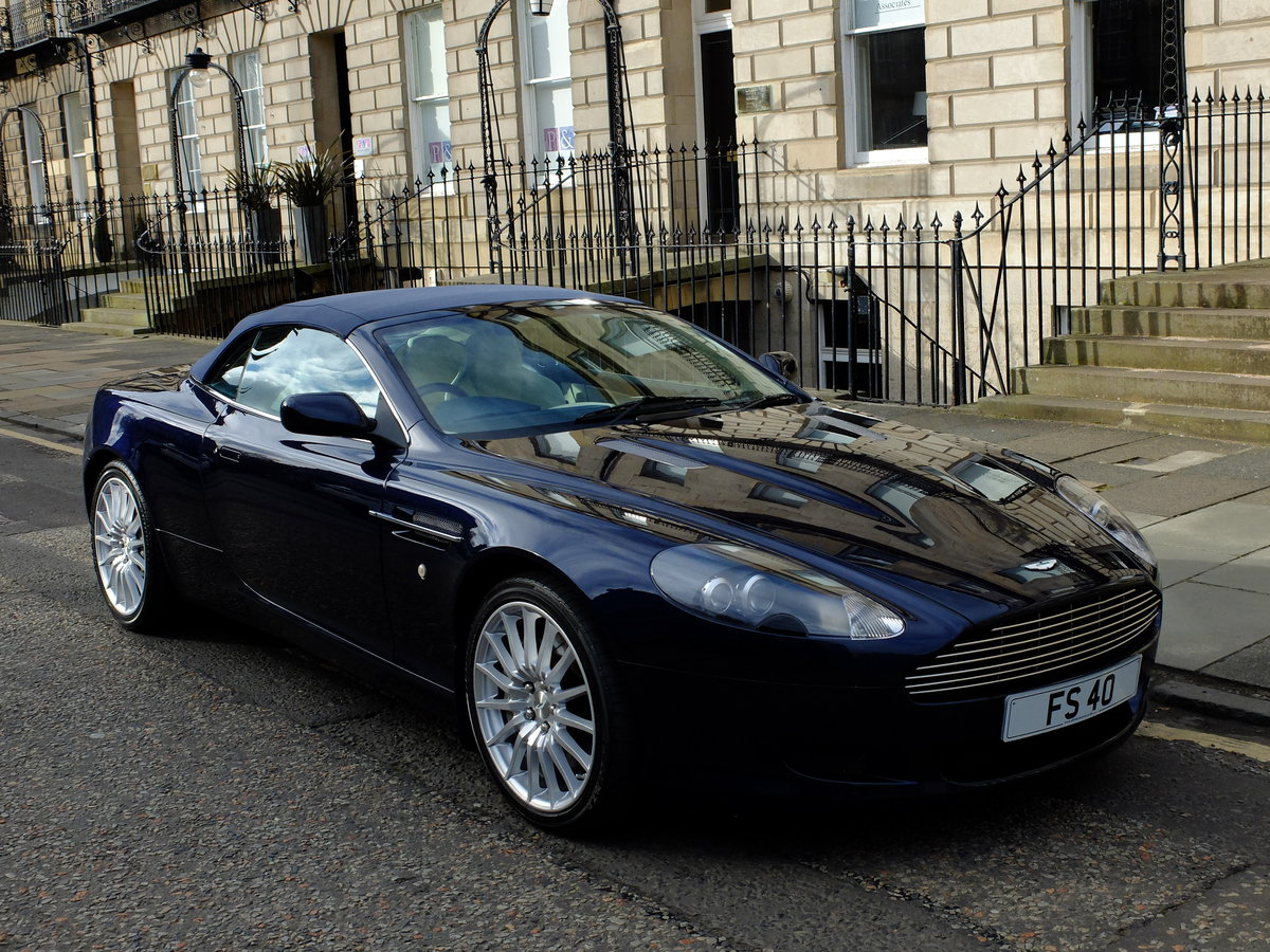 2006 ASTON DB9 VOLANTE - 35K MILES - 1 OWNER FROM NEW ! For Sale (picture 2 of 6)