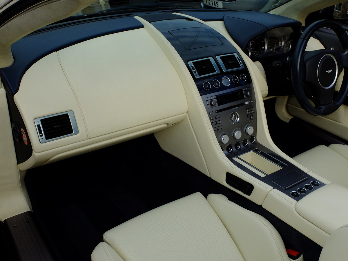 2006 ASTON DB9 VOLANTE - 35K MILES - 1 OWNER FROM NEW ! SOLD (picture 4 of 6)