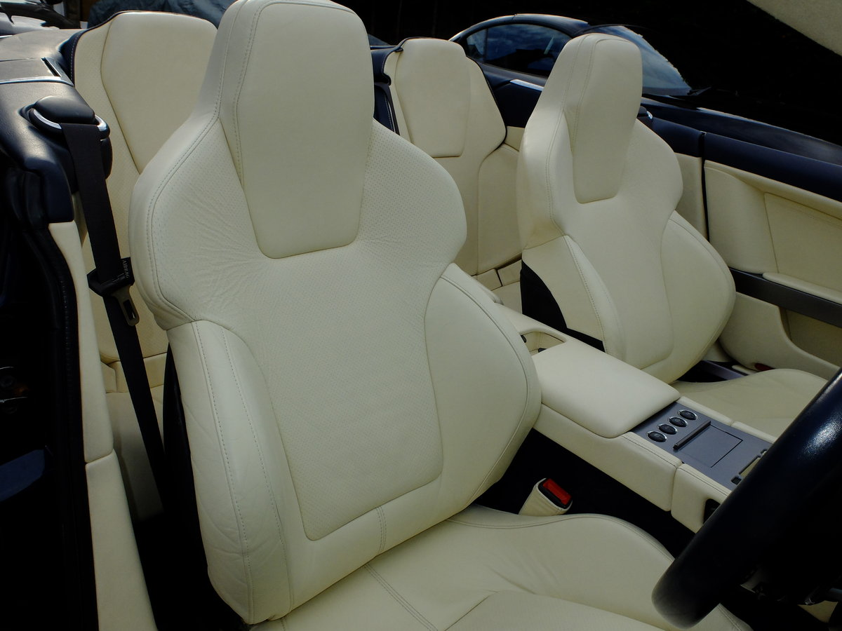 2006 ASTON DB9 VOLANTE - 35K MILES - 1 OWNER FROM NEW ! For Sale (picture 5 of 6)
