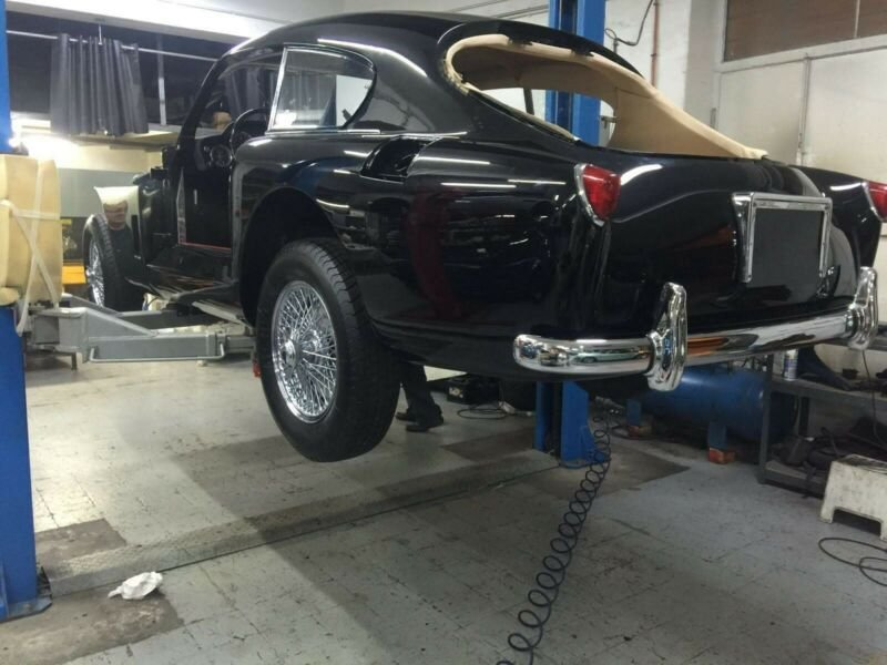 Aston Martin DB 2/4 Mark III Saloon, DB 2/4, DB2 For Sale (picture 3 of 6)