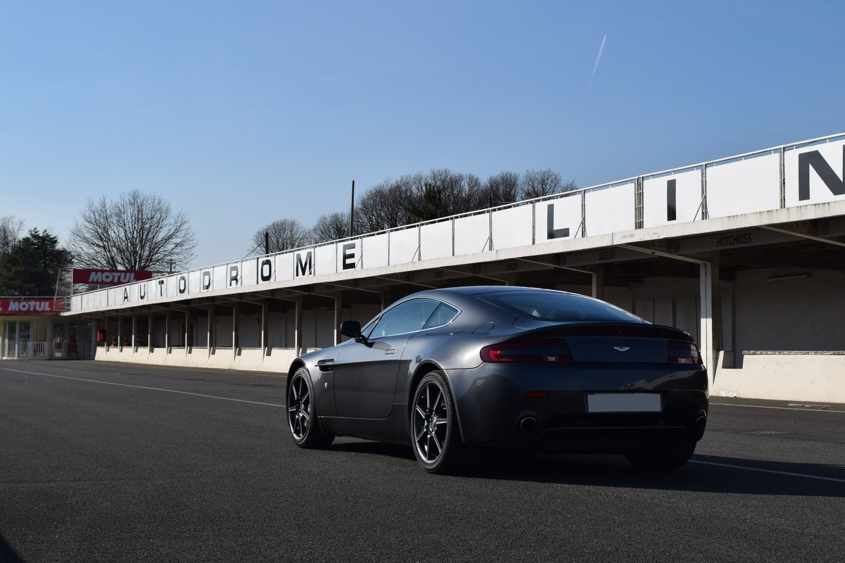 2009 - Aston Martin V8 Vantage For Sale by Auction (picture 2 of 5)