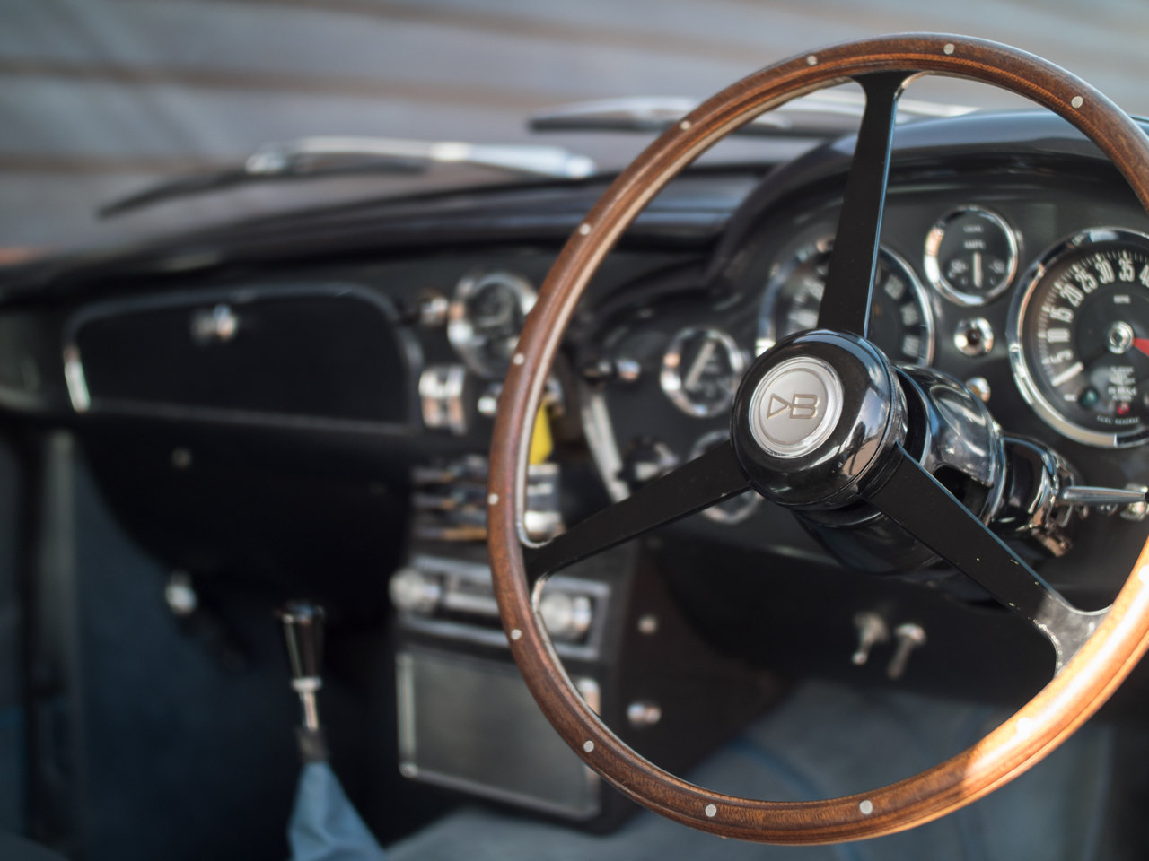 1966 Aston Martin DB6 For Sale (picture 6 of 6)