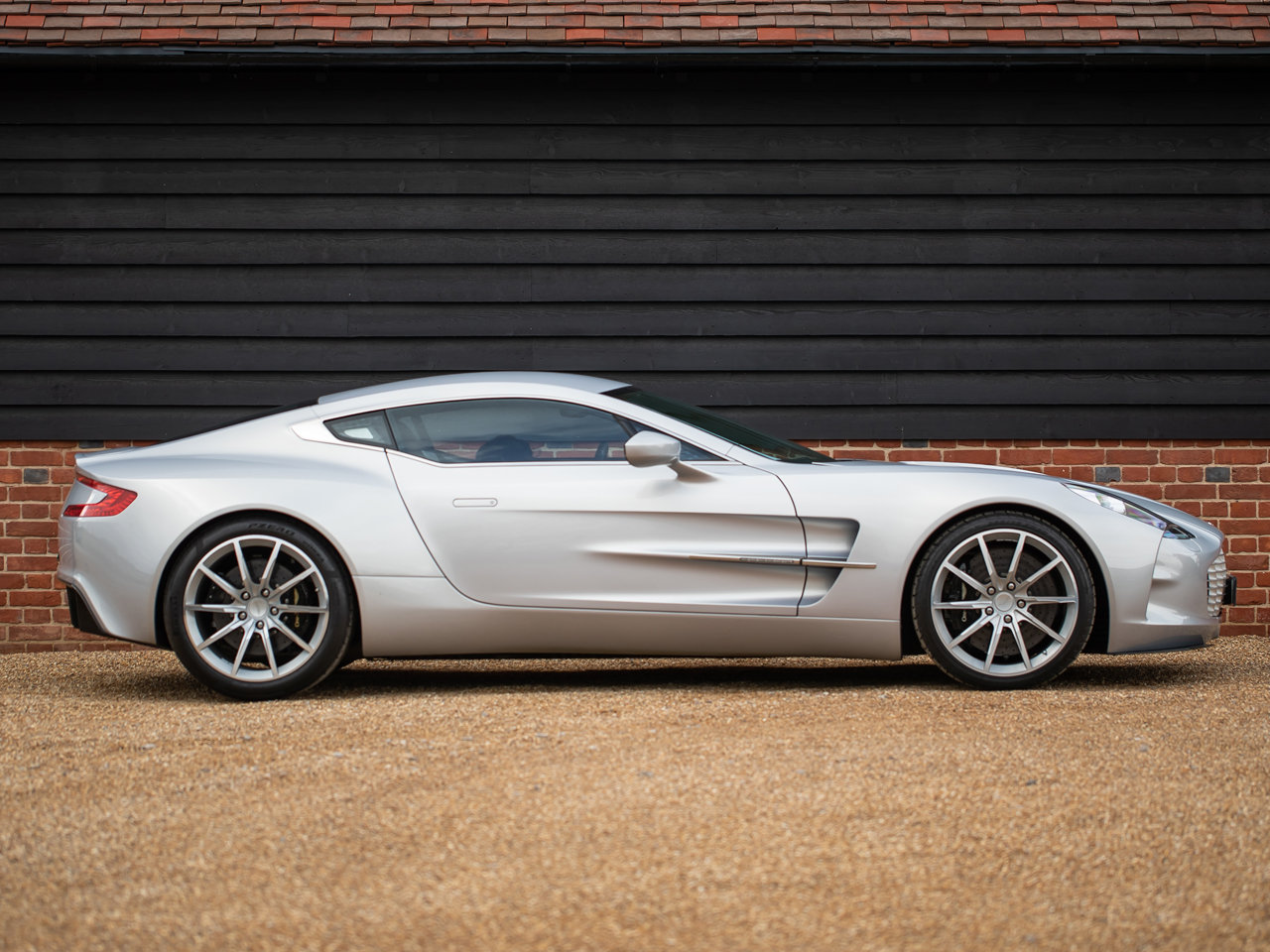 2012 Aston Martin One-77 For Sale (picture 2 of 6)